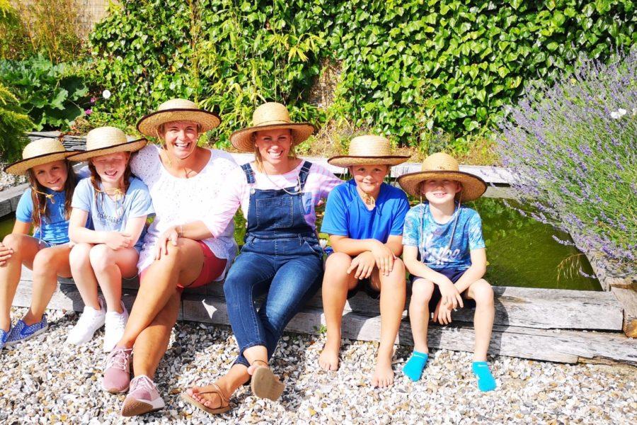 friends & family enjoying the gardenacap_Bright